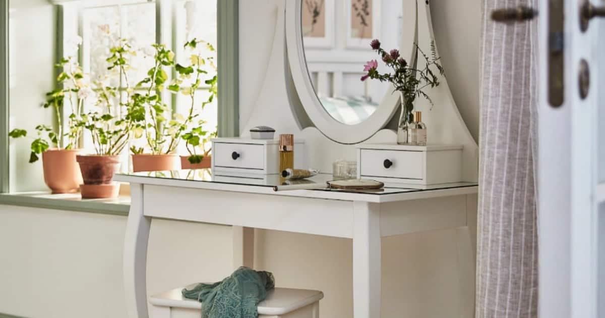 Best Makeup Vanity Tables