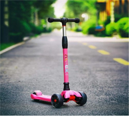 Best Good Looking: Allek Three Wheel Scooter for Kids with Light Up Wheels