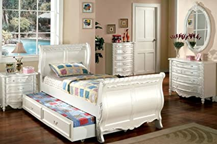 Inland Empire Furniture Pearl White Wooden Twin Bed Set